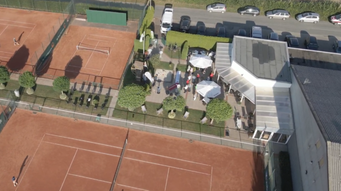 Drohnenflug über unsere Tennisanlage